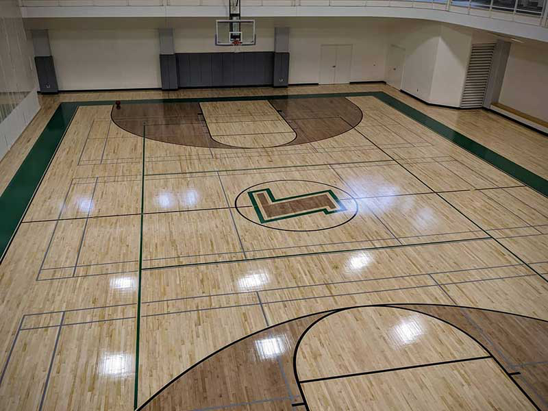 New basketball court flo要么ing at Loyola's FAC